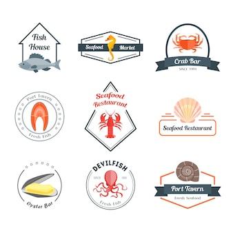 Distintivi o etichette di frutti di mare per un bar, ristorante, taverna o casa. stile di design piatto.