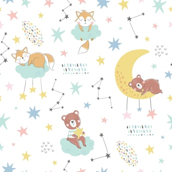 Seamless pattern infantile con volpi addormentate, orsi, nuvole, luna, stelle e costellazioni.