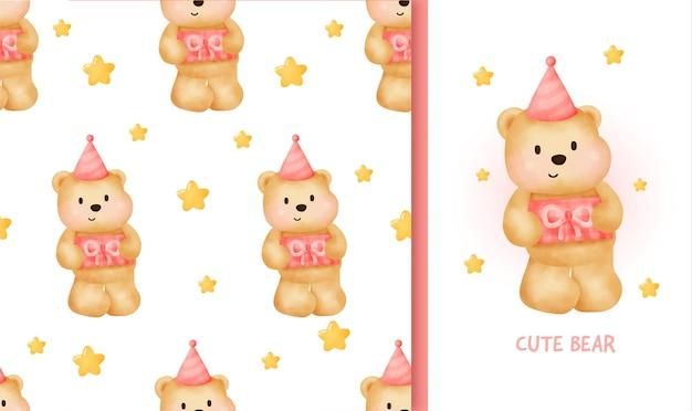 Cartolina d'auguri di compleanno senza cuciture con orsacchiotto sveglio che tiene una scatola regalo.