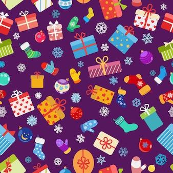 Modello senza cuciture di scatole regalo colorate, calze, guanti e palle di natale