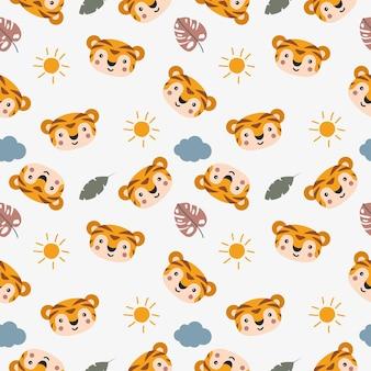 Modello senza cuciture del simpatico cartone animato tigre con sole e nuvole