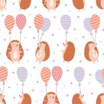 Modello senza cuciture di riccio con palloncini e nuvole su sfondo bianco. ideale per panno per bambini, decorazioni per la casa.
