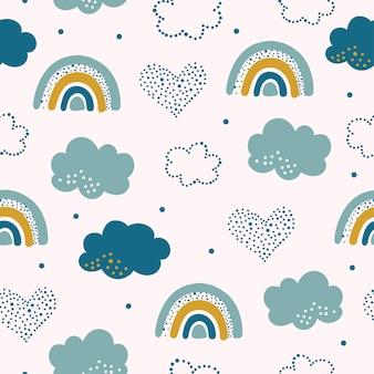 Modello senza cuciture con nuvole e arcobaleno nel cielo.