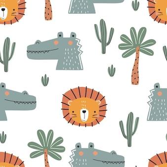 Modello senza cuciture con un simpatico cucciolo di leone coccodrillo palme e cactus su uno sfondo bianco