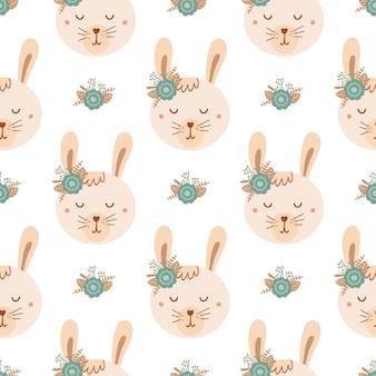 Modello senza cuciture con coniglio carino e bouquet di fiori blu. sfondo con animali selvatici in stile piatto. illustrazione per bambini. design per carta da parati, tessuto, tessuti, carta da imballaggio. vettore