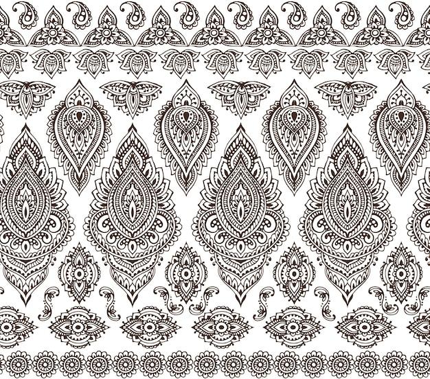 Seamless con elementi floreali mehndi hennè disegnati a mano