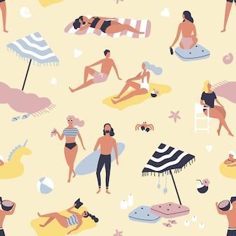 Modello senza cuciture con persone che si rilassano sulla spiaggia di sabbia e prendere il sole. sfondo con uomini e donne in vacanza al mare o resort estivo. illustrazione piatta per carta da imballaggio, carta da parati.
