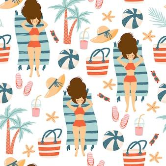 Modello senza cuciture con elementi estivi: cappello di paglia, borsa da spiaggia, infradito, occhiali da sole, palla, gelato, ragazze sulla spiaggia e foglie di palma