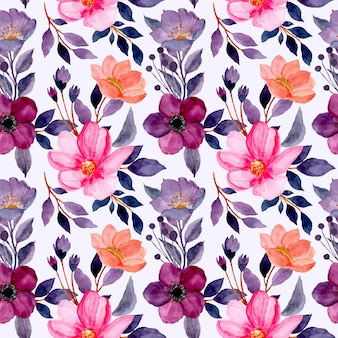 Modello senza cuciture con il fiore viola dell'acquerello e il fiore rosa