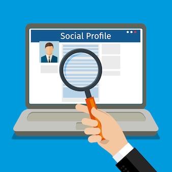 Cerca profilo social. computer portatile con social network. design piatto,