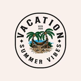 Illustrazione di lineart di vacanza in località balneare. palme di lineart sull'illustrazione di logo del distintivo della spiaggia