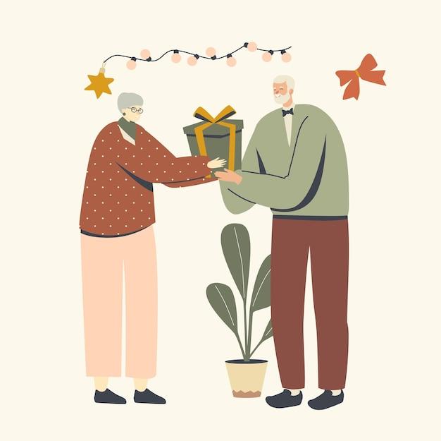 Gli anziani festeggiano il cambio di natale con i regali