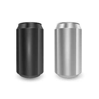 Set di lattine di alluminio di colori nero e argento, isolato su sfondo bianco.