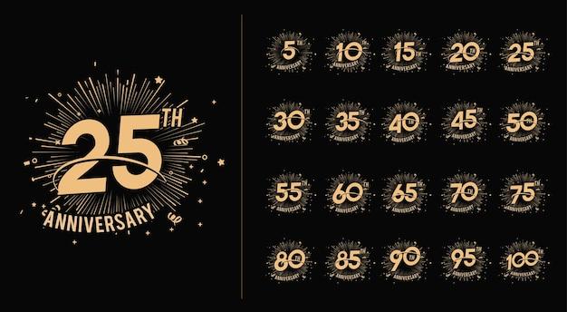 Set di numero di celebrazione dell'anniversario e sfondo di fuochi d'artificio con swoosh e coriandoli