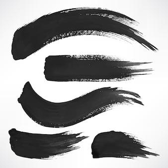 Set di pennellate nere