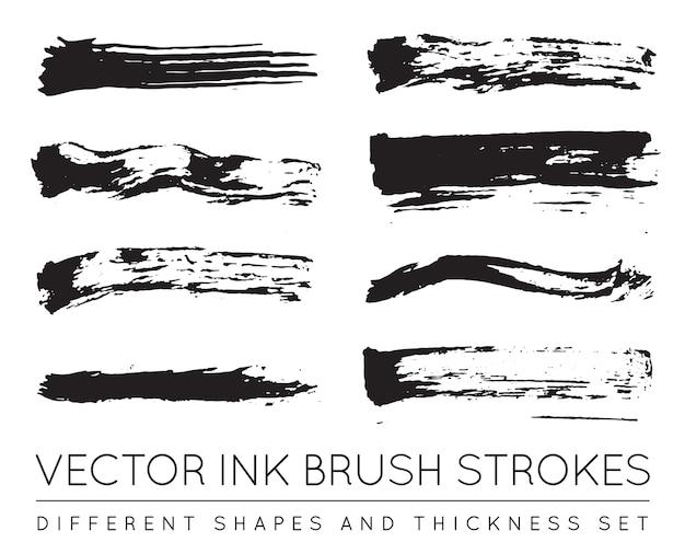 Set di pennellate di inchiostro penna nera