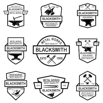 Set di emblemi del fabbro. elemento di design per logo, etichetta, segno, poster, t-shirt.