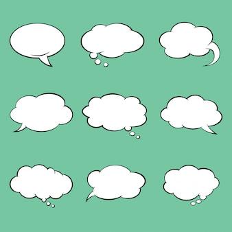 Insieme delle bolle di discorso di stile comico in bianco. illustrazione vettoriale.