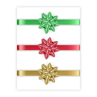 Set di fiocchi di colori rosso verde e dorato isolati su sfondo bianco