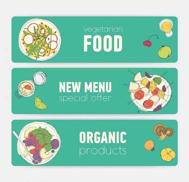 Set di modelli di banner orizzontali colorati luminosi con prodotti vegani e pasti che si trovano su piatti disegnati a mano su sfondo verde. offerte speciali e affari. illustrazione per annuncio ristorante vegetariano.