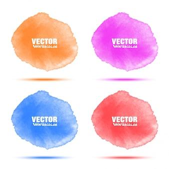 Insieme delle macchie di cerchio dell'acquerello viola blu arancione rosso brillante isolate su fondo bianco con struttura dell'acquerello di carta realistico. macchie vibranti aquarelle. sfocatura lavaggio chiaro elementi di disegno.