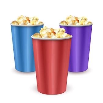 Set di ciotole di cartone piene di popcorn, sacchetto pieno di popcorn. illustrazione realistica