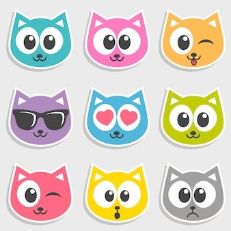Set di facce di gatto colorato con emozioni diverse