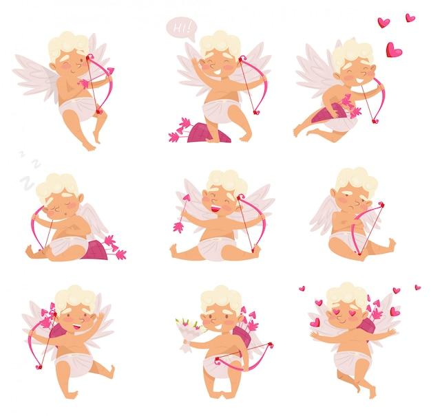 Set di cupido carino in diverse azioni. ragazzino di cartone animato con le ali. angelo dell'amore con fiocco rosa e frecce