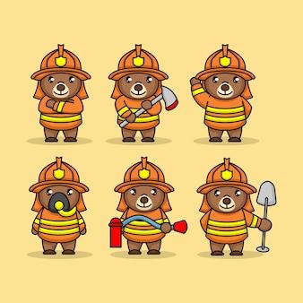 Set di simpatico orsacchiotto con costume da pompiere