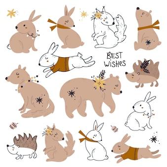 Set di simpatici animali del bosco di imballaggio con decorazioni natalizie.