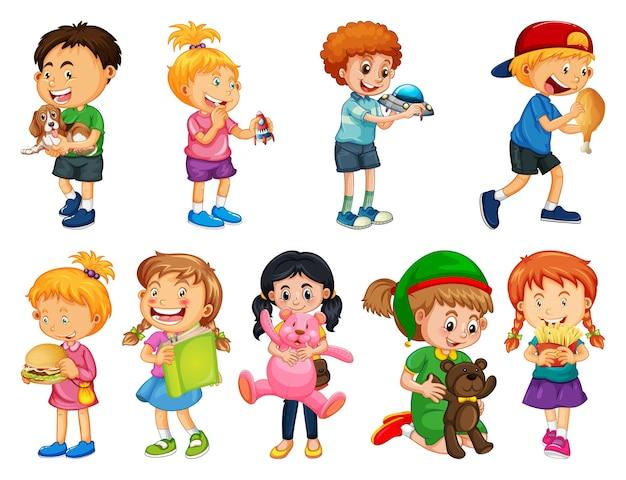 Set di diversi bambini che giocano con i loro giocattoli personaggio dei cartoni animati isolato su sfondo bianco