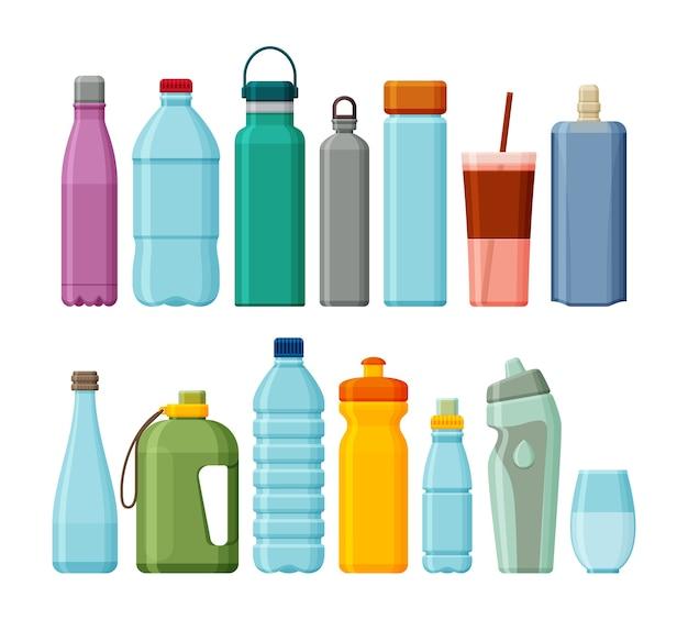 Set di sport diversi e bottiglie d'acqua in plastica isolate