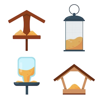Set di diversi tipi di mangiatoie per uccelli isolati su sfondo bianco