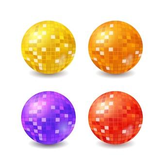 Set di palle da discoteca, mirrorball realistici isolati su priorità bassa bianca