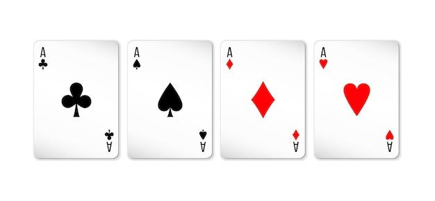Set di quattro assi mazzo di carte per giocare a poker e casinò su sfondo bianco. picche, quadri, fiori e cuori.