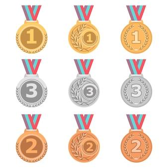 Set di medaglie d'oro, d'argento e di bronzo in stile diverso.