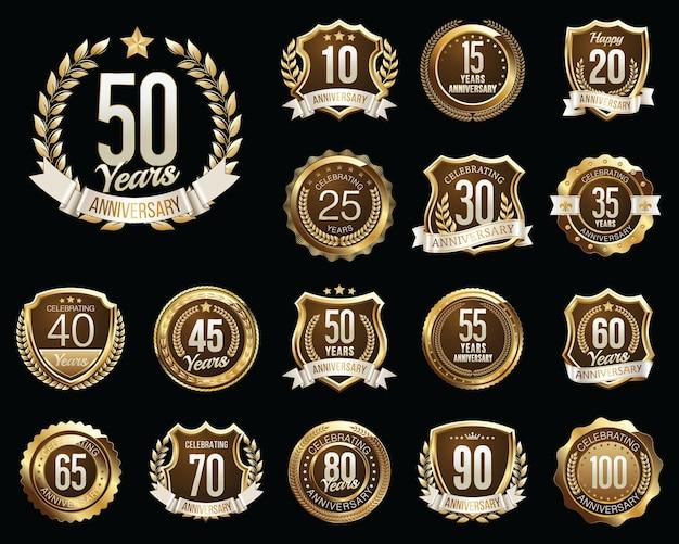 Set di badge anniversario d'oro. set di segni di anniversario d'oro.