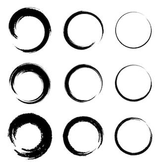 Set di macchie di cerchio grunge