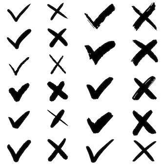 Set di segni di spunta disegnati a mano. isolato su sfondo bianco. insieme dell'icona di segni di elenco di controllo di vettore.
