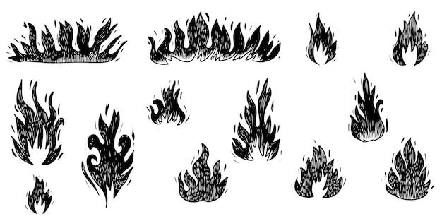 Set di fuoco disegnato a mano e palla di fuoco isolato su sfondo bianco. illustrazione vettoriale di scarabocchio.