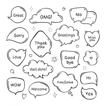 Insieme di fumetti disegnati a mano pensare e parlare con messaggi, saluti e dialoghi. stile doodle. isolato