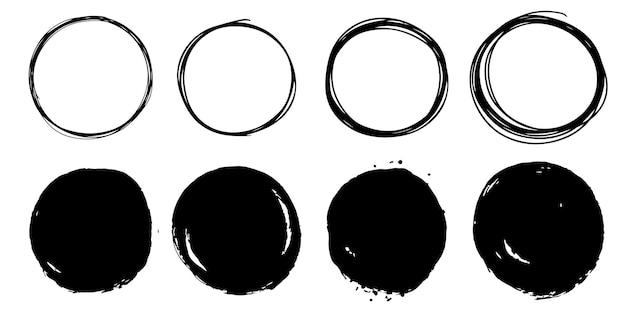 Set di schizzo di linea del cerchio di doodle di vettore disegnato a mano isolato su priorità bassa bianca.