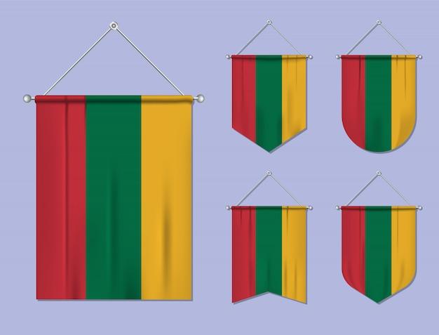Set di appendere bandiere lituania con trama tessile. forme di diversità del paese di bandiera nazionale. stendardo modello verticale