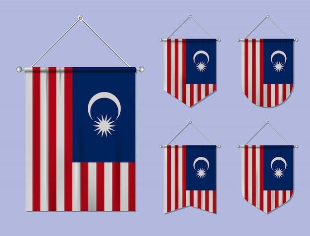 Set di appendere bandiere malesia con trama tessile. forme di diversità del paese di bandiera nazionale. stendardo modello verticale