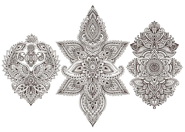 Set di elementi floreali all'henné basati su ornamenti asiatici tradizionali. collezione paisley mehndi doodles