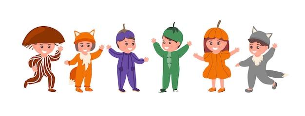 L'insieme dei bambini in costumi animali o vegetali divertenti ha isolato l'illustrazione piana di vettore