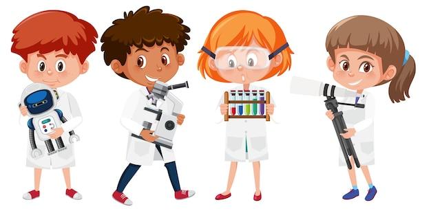 Set di bambini in costume di scientis che tiene elemento di scienza