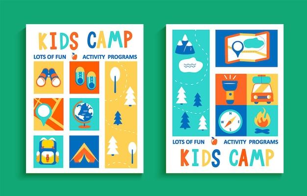 Set di volantini del campo estivo per bambini, concetto con scritte disegnate a mano e campeggio
