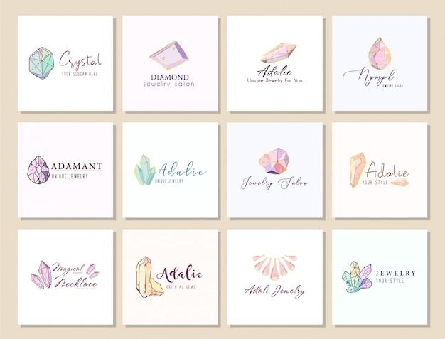 Set di loghi per gioiellerie, identità aziendale con cristalli o diamante su bianco, pietra preziosa, gemma
