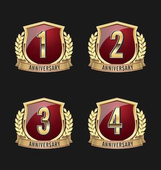 Set di badge anniversario di lusso Vettore Premium